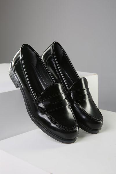 Açma Rugan Suni Ayakkabı