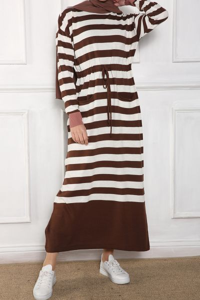 Belden Bağlamalı Çizgili Triko Elbise