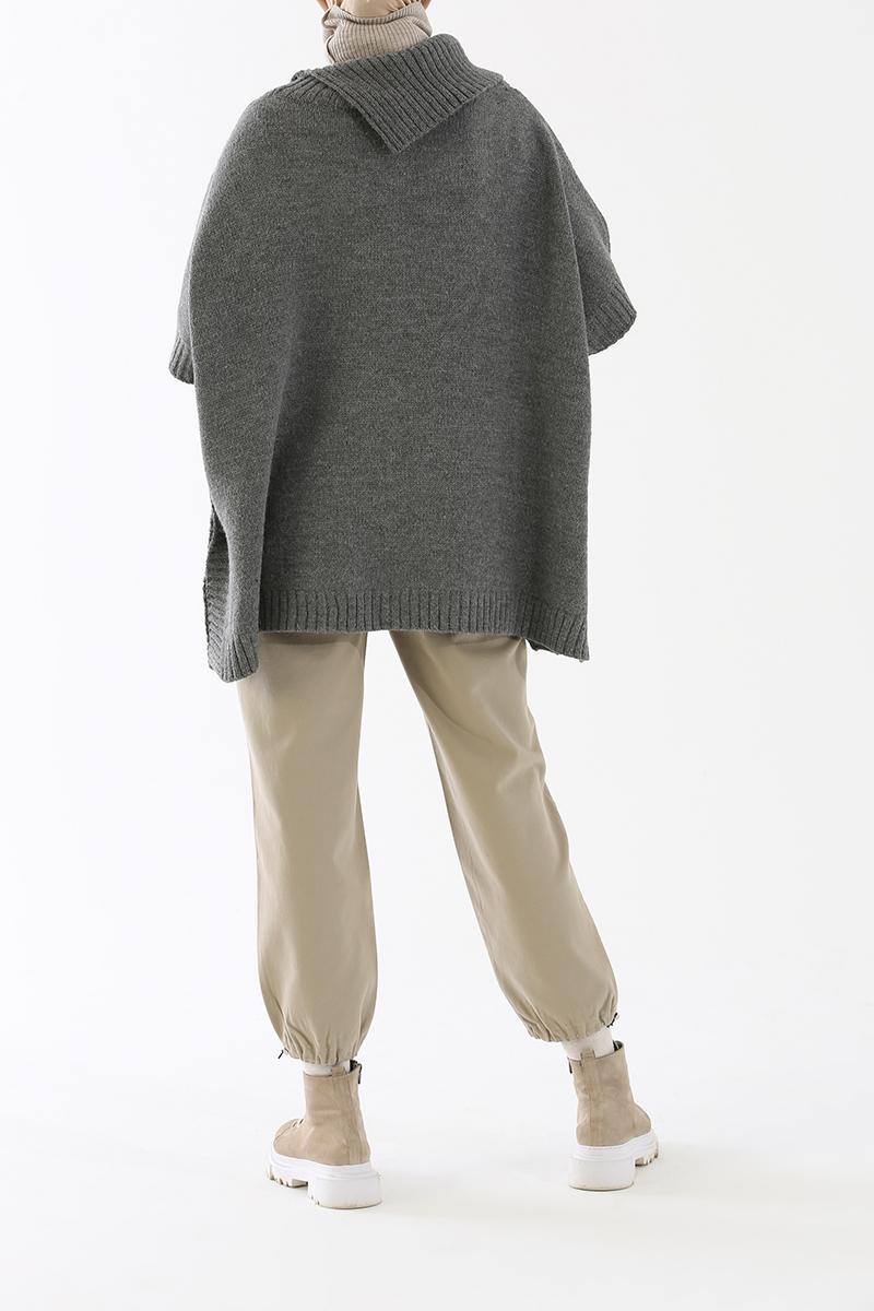 Püsküllü Saç Örgü Model Düğme Detaylı Panço
