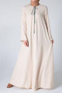 Yaka Bağcıklı Elbise