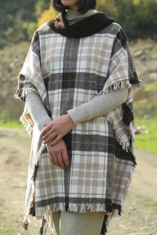 Oduncu Ekoseli Yakası Trikolu Panço